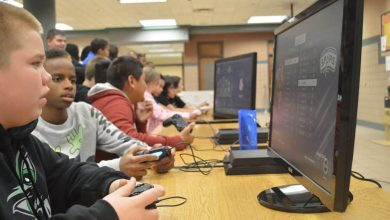 Photo of U.S. parents makes their kids take lessons in Fortnite